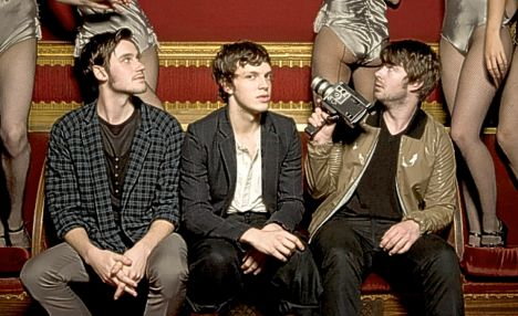 friendly fires 01